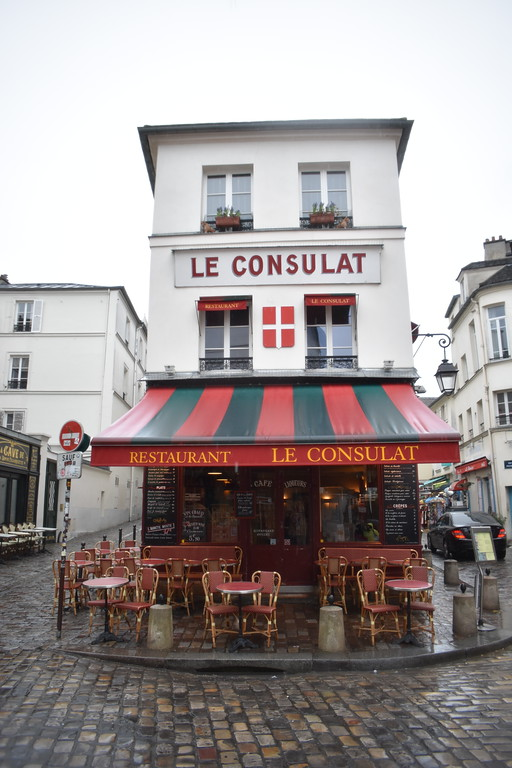 Le Consulat Cafe Restaurant in Paris, France