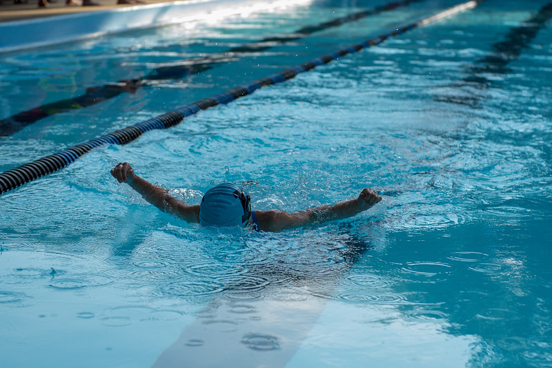 lcs_swimming_kevkramerphoto-016.jpg