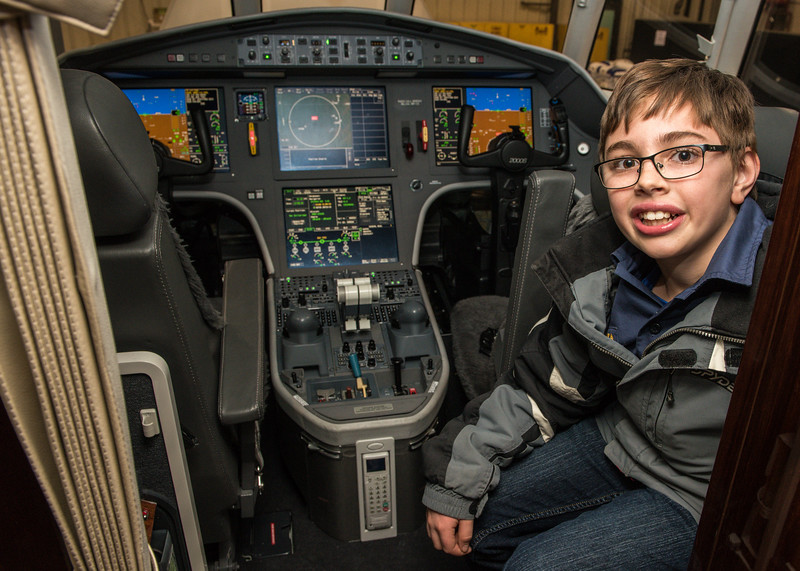 Cub-Scouts-airplane-2-7724.jpg