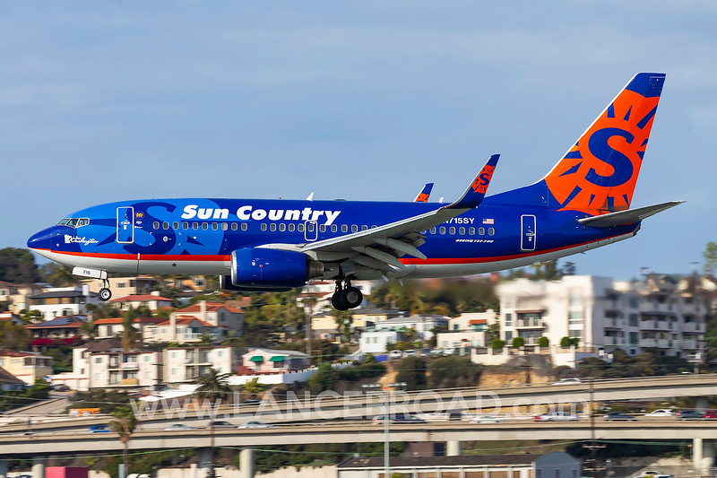 Sun Country 737-700 - N715SY - SAN