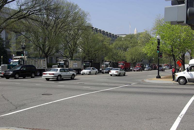 Protesting truckers.jpg