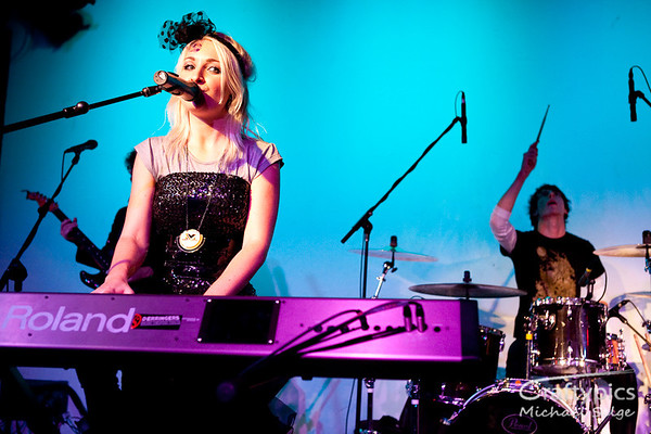 Kate Miller-Heidke, Adelaide May 2009