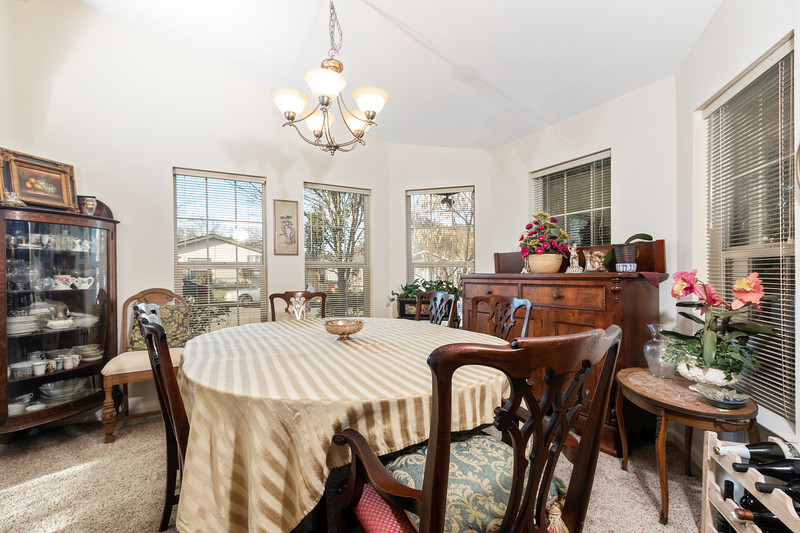 9184 Birch 13 Dining Room.jpg