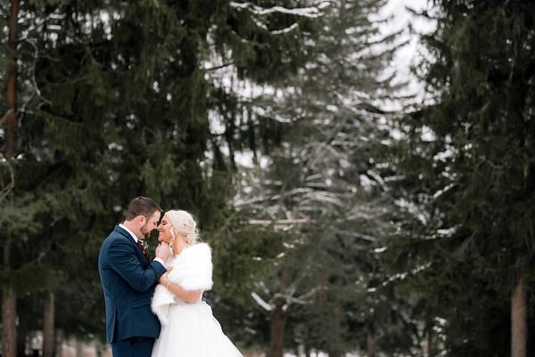 Jenna & Ryan: Winter Wedding