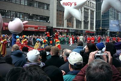 11-27 Macy parade