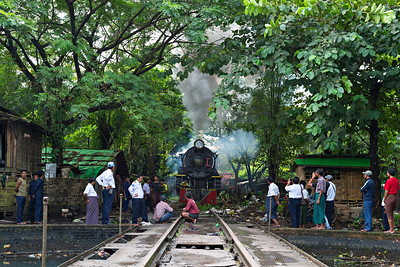 Preparing to turn Class YC 4-6-2 No 629 on Bago turntable