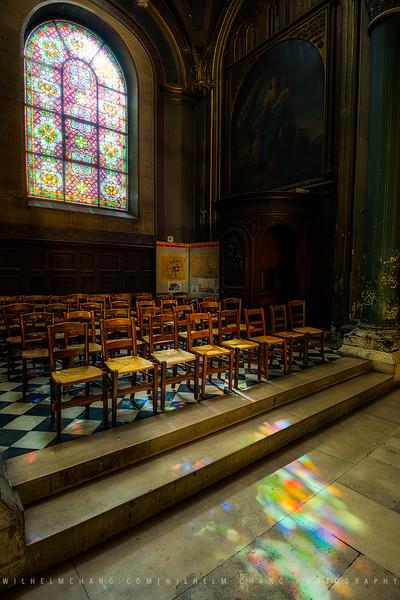 Saint-Germain-des-Prés-Glass-Projection.jpg