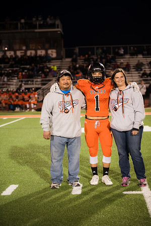 Senior night parent pictures