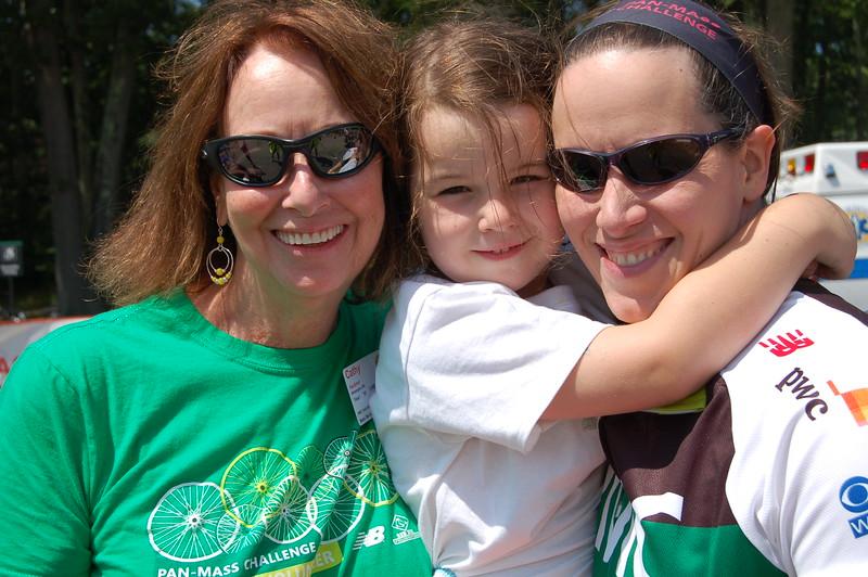 Sun-Wellesley-Mom-Daughter2-CK0101.jpg