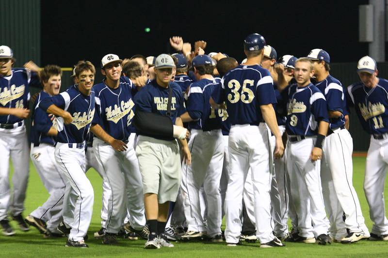 \\hcadmin\d$\Faculty\Home\slyons\HC Photo Folders\HC Baseball_State Playoffs_2012\20120513_187.JPG
