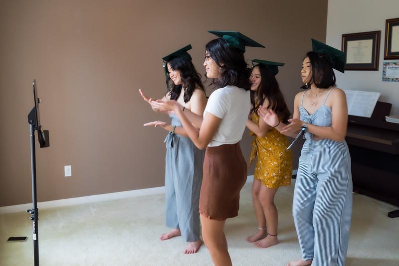 20200521_sarah-friends-connally-graduation_063.jpg