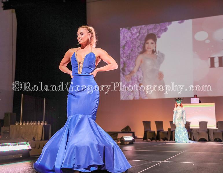 100 Womens Fashion show2019-3419.jpg