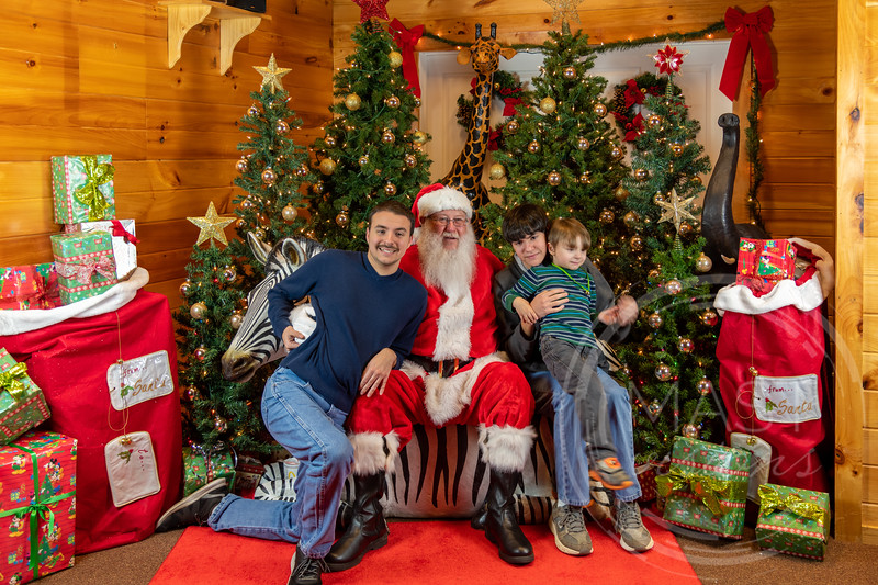 2019-12-01 Santa at the Zoo-7556.jpg