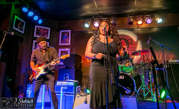 3/12/18 Mon Jam Funky Biscuit Annika Chambers Band