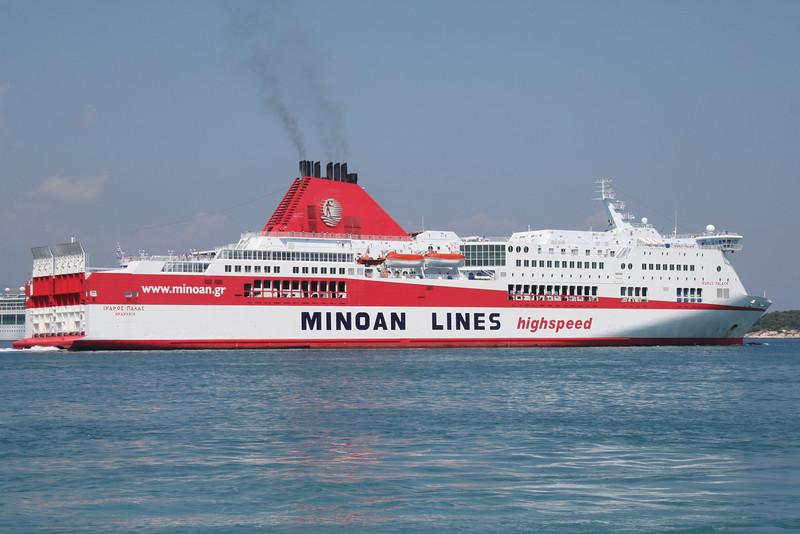 2009 - F/B IKARUS PALACE departing from Corfu.