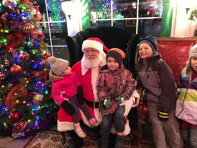 2018-12-08 Christmas at Riverwoods