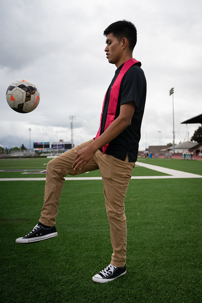 1905_15_efrain_senior_pictures-03646.jpg