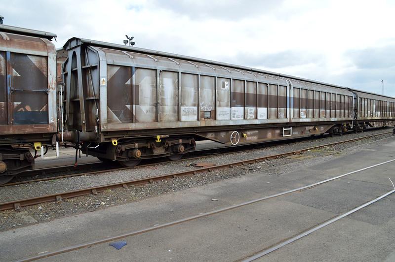 IWA 33.80.2693022-6 at Eastleigh Works  21/03/15.