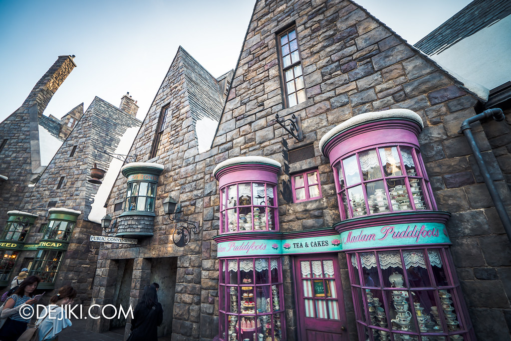 Universal Studios Japan - The Wizarding World of Harry Potter - Hogsmeade / Madame's store