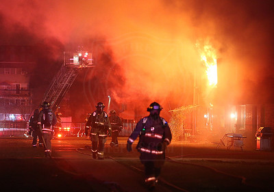 Mississauga, ON - 3rd Alarm - 1560 Bloor St E - October 07, 2017
