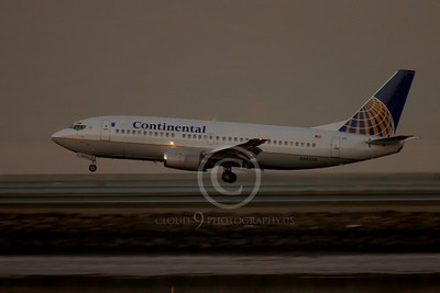 Continental Airline Boeing 737 Airliner Pictures