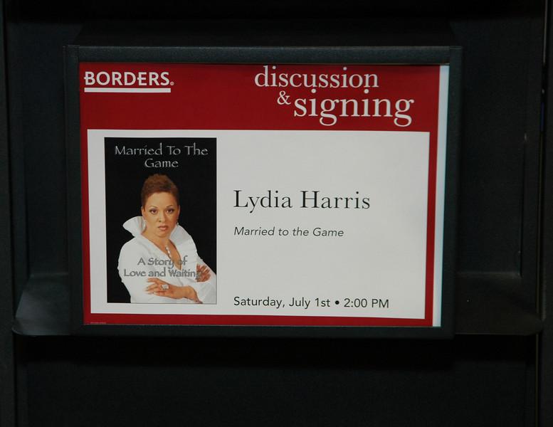 Lydia Harris Book signing 024.jpg