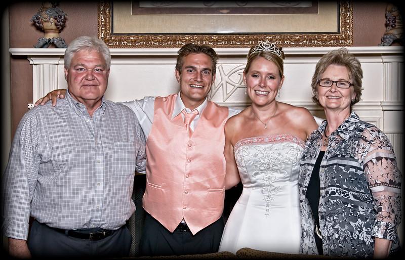 219 Mo Reception - Family Group Portrait (Godparents)1(redone)(lucas sculpt 21).jpg