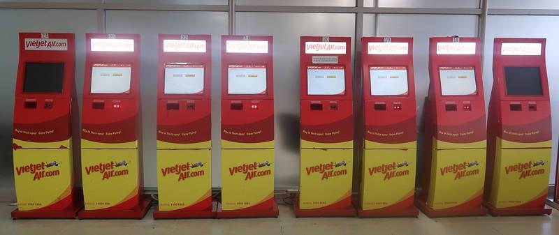 IMG_4706-vietjet-kiosks.jpg