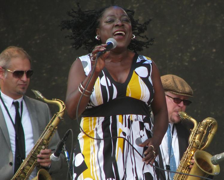 IMG_6951 Sharon Jones & The Dap-Kings.jpg