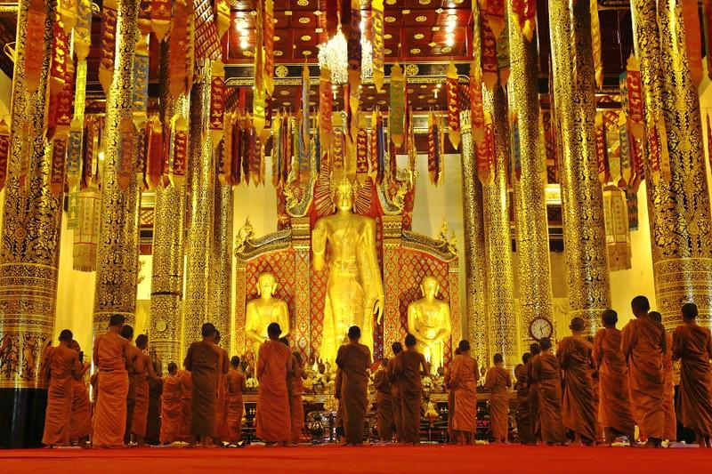 Chiang-Mai-Monks.jpg