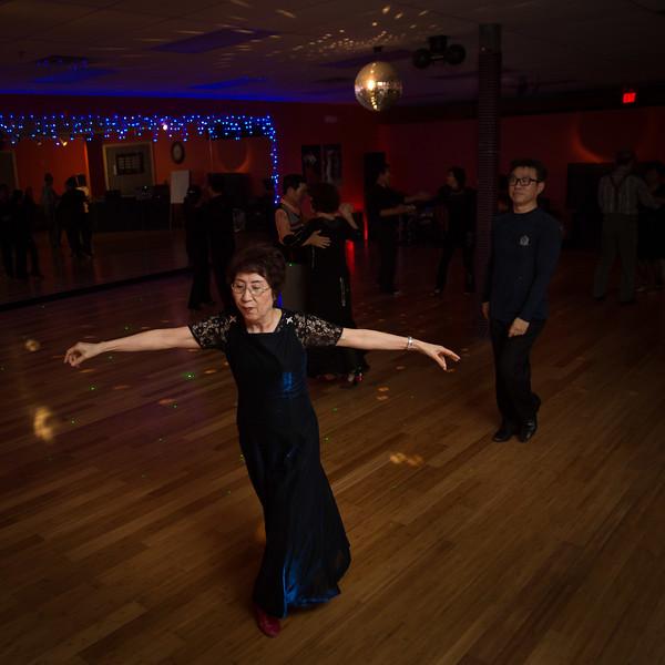 Moms Dance Class 2015-2080.jpg