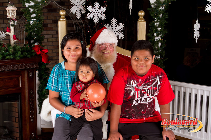 Santa Dec 8-169.jpg
