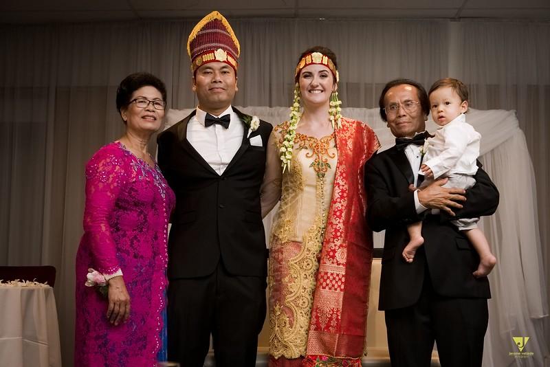 Wedding of Elaine and Jon -750.jpg