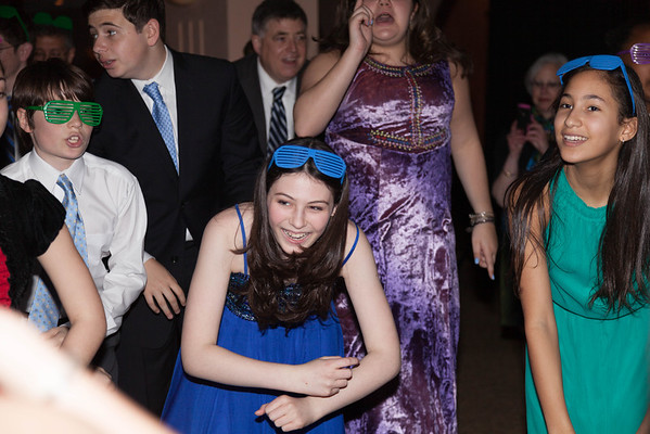Dancing & Hula Hoops with Hannah!