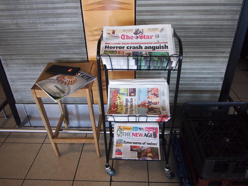 P5025895-free-newspapers.JPG