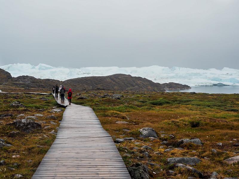 Hiking to Sermermiut in Ilulissat