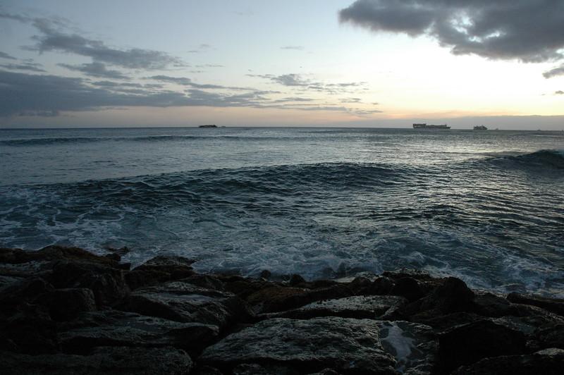 Hawaii - Ala Moana Beach Sunset-128.JPG