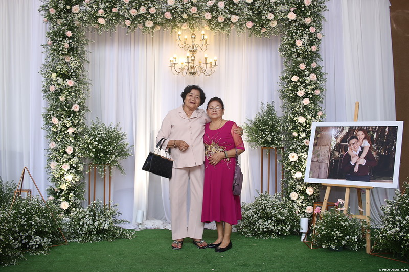 Vy-Cuong-wedding-instant-print-photo-booth-in-Bien-Hoa-Chup-hinh-lay-lien-Tiec-cuoi-tai-Bien-Hoa-WefieBox-Photobooth-Vietnam-150.jpg