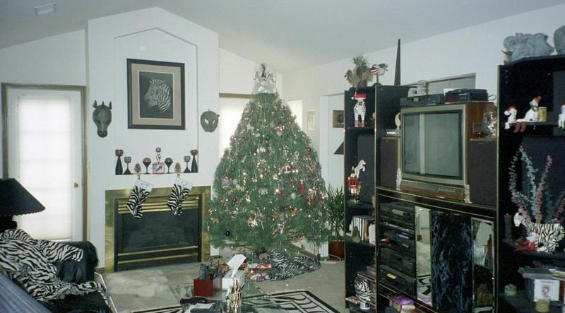 2001-12-24 Our House 0025.jpg