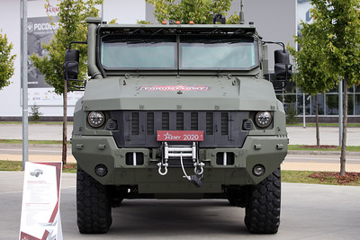 ARMY-2020 - Static displays part 2: Armoured vehicles, trucks and Artillery