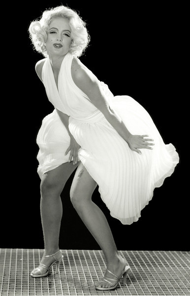 """Angélica como Marilyn Monroe, Ensaio:"""" Ídolos dos ídolos"""", Rio de Janeiro, 1999, Brasil."""