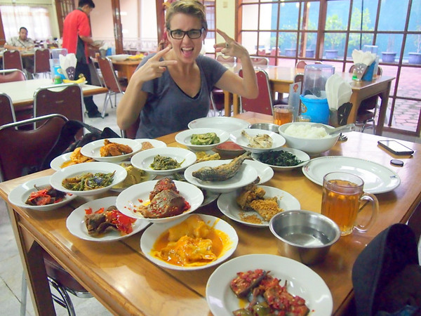 Padang food with Treen from welovejakarta.com
