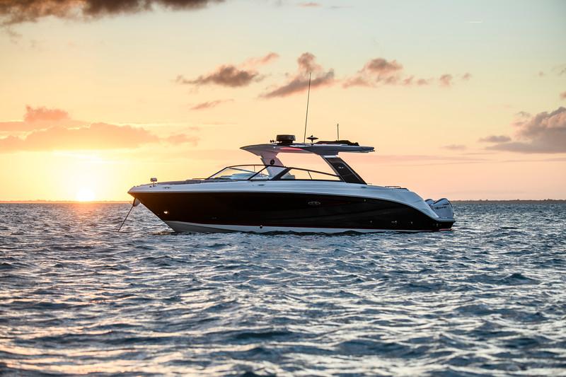 2021-SLX-R-400-e-Outboard-profile-09.jpg