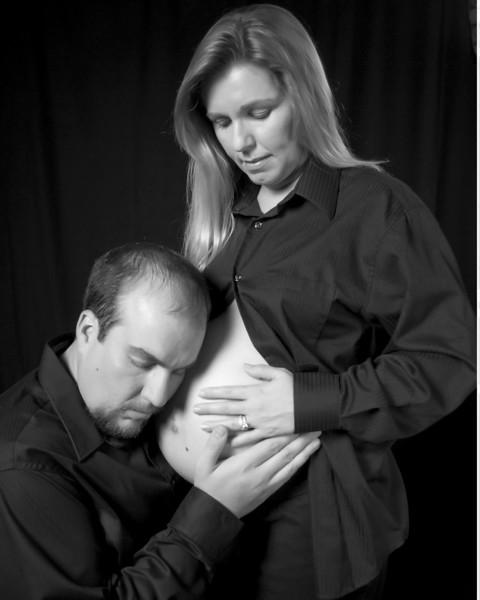 Margie_Pregnant036_B&W.jpg