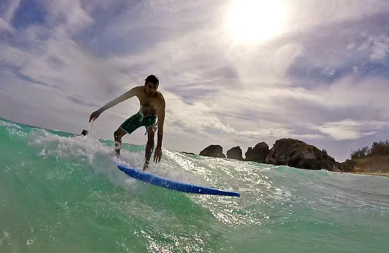 Bermuda-Surfing01.jpg