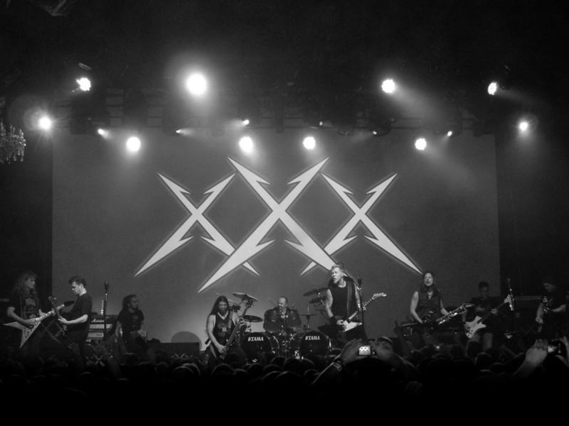 Left to Right: Mega Dave Mustaine, Jason Newstead, Mark Osegueda, Rob Trujillo, Lars Ulrich, James Hetfield, Kirk Hammett, Ron McGovney, Hugh Tanner