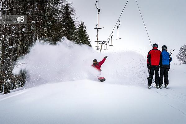 Spray Skiers