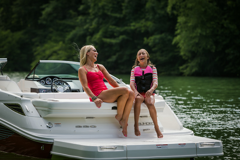 2015-SeaRay-220SD-2-9.jpg