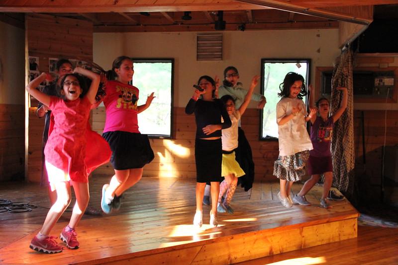 kars4kids_thezone_camp_girlsDivsion_activities_DanceAerobics (28).JPG
