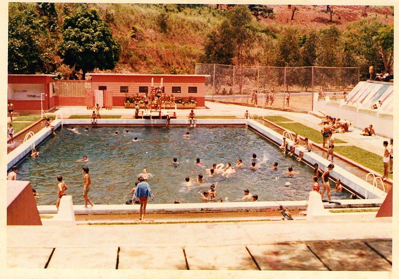 piscina Andrada colorida.jpg